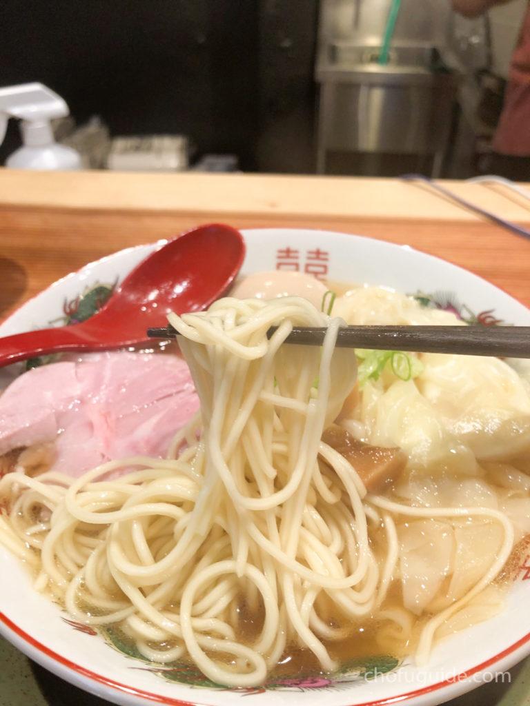 美しく細めの麺