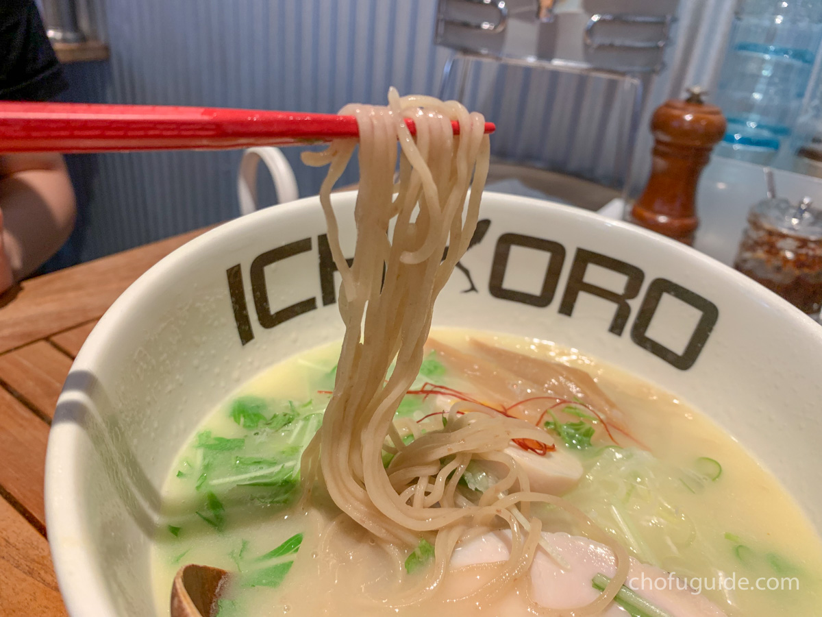 濃厚スープと細麺が美味しい