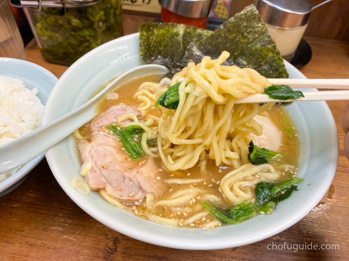 モチモチ太麺を麺リフト
